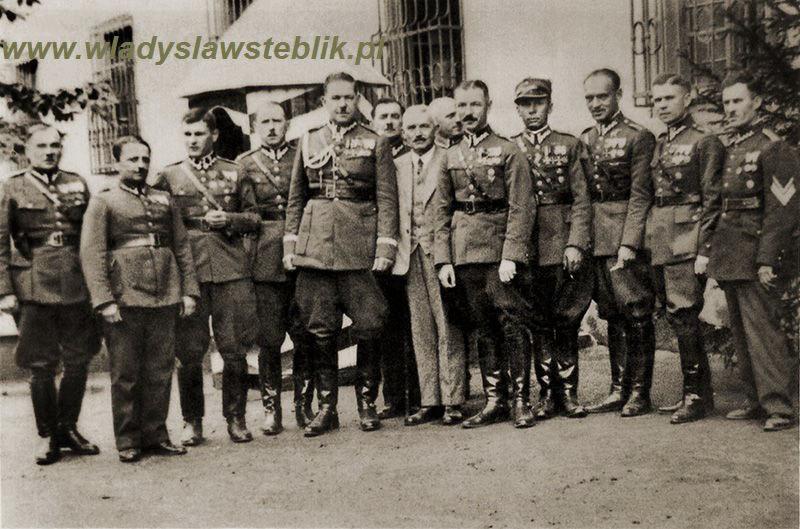 Święto pułkowe w 1934 roku. Najstarsi weterani 12pp. Drugi od prawej kpt. Władysław Steblik
