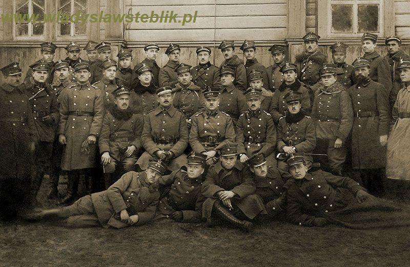 1920 leże zimowe, Osipowicze. W Steblik trzeci od prawej (drugi rząd stojących)