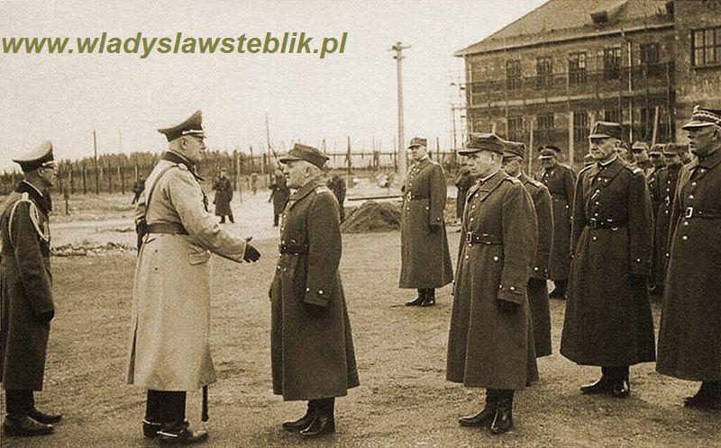 Apel w Murnau, płk Frey podaje rękę gen. Piskorowi, za Piskorem stoi mjr W Steblik.