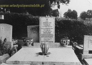 Grób Władysława Steblika i jego żony Magdaleny - san z 1971 roku.